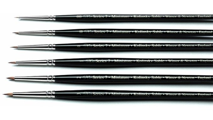 Best Brushes for Painting Miniatures 2019 - Windsor & Newton Series 7 Miniature